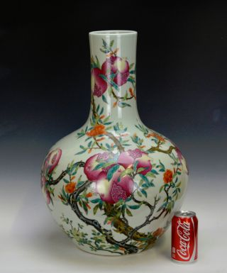 Large Chinese Qing Qianlong Famille Rose Pomegranate Fertility Porcelain Vase photo