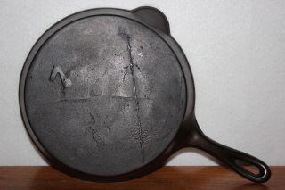 Antique No.  7 Cast Iron Skillet Early Gate Mark,  Single Pour Spout & Fancy Handle photo