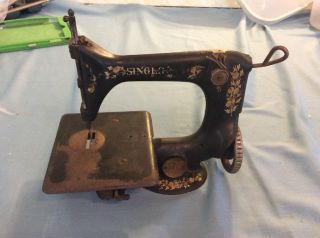 Antique Singer Sewing Machine 24 - 7 Chainstitch Model Aa498768 photo