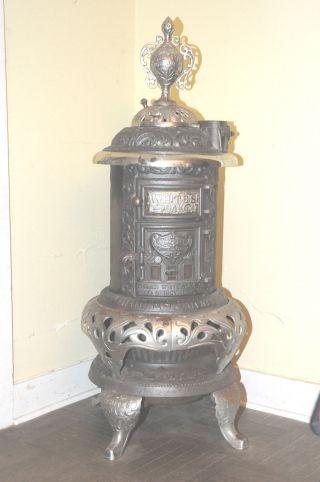 Antique Thomas White Stove Co.  - White ' S Oak No.  314 Cast Iron Wood Burning Stove photo