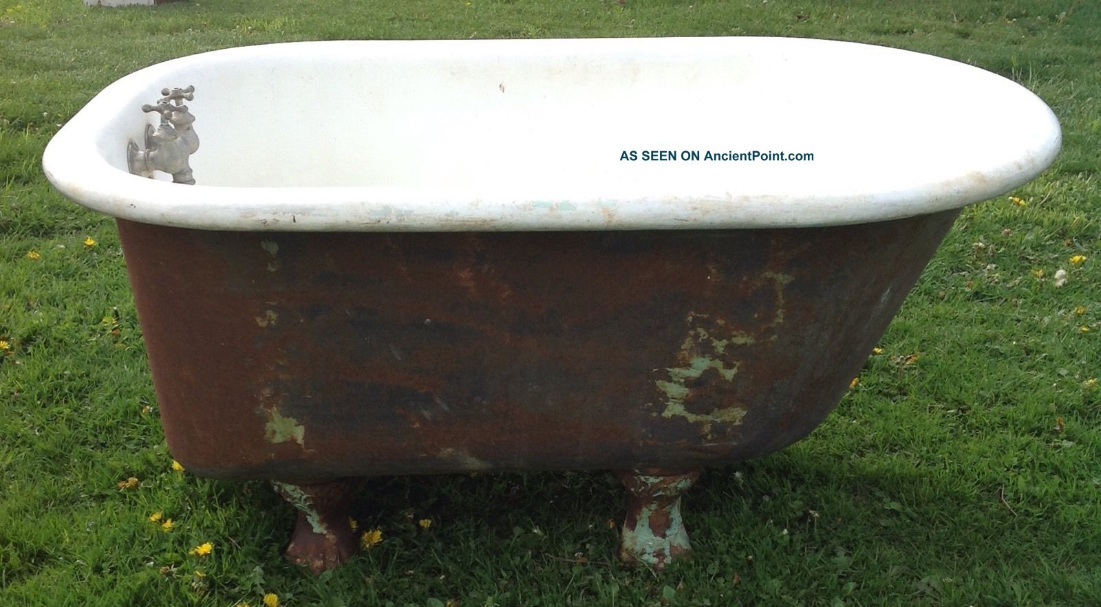 Vintage 4 Foot Cast Iron Claw Foot Tub With Claw Feet Bath Tubs photo