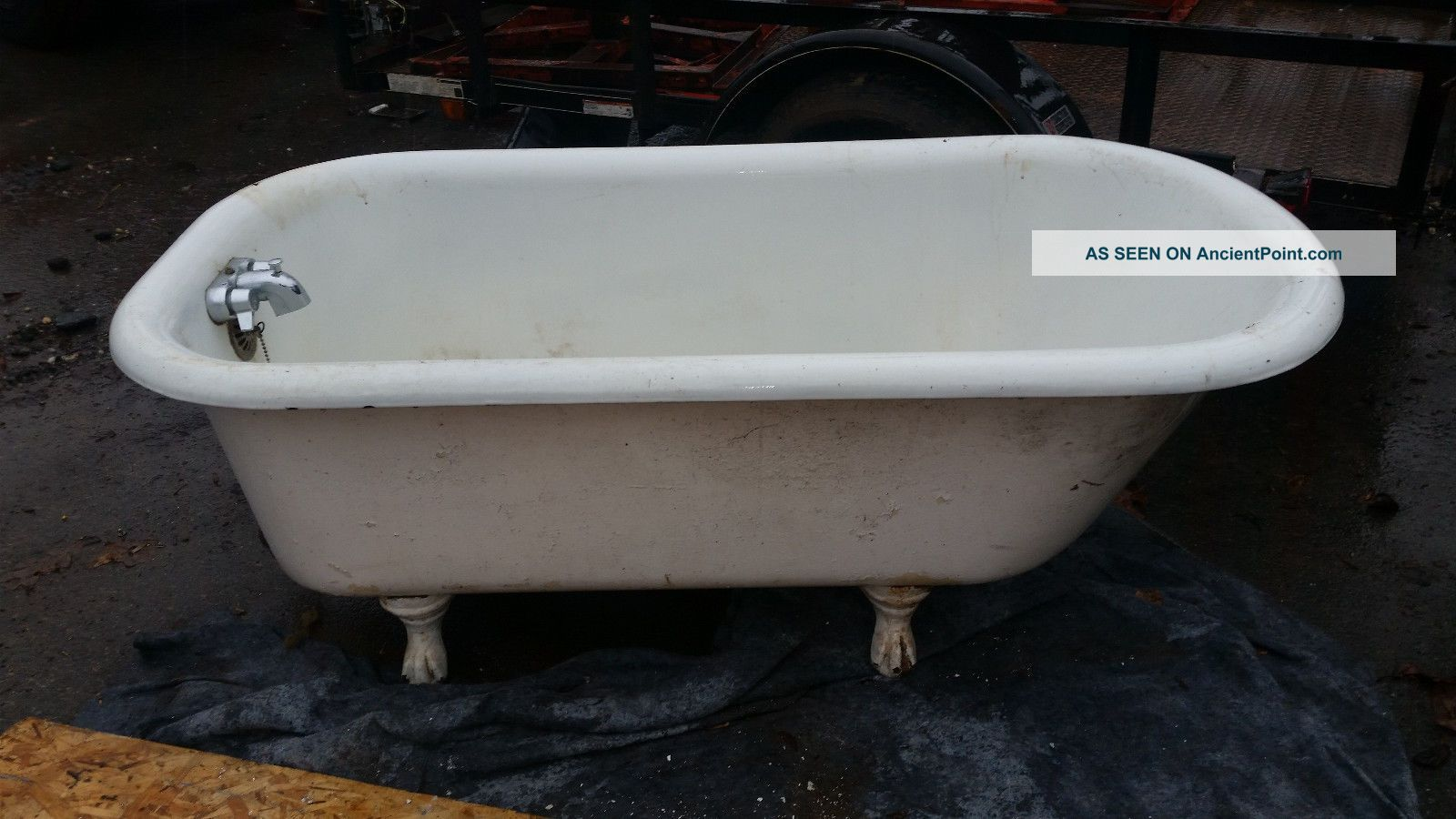 Vintage Clawfoot Tub With Feet.  5 Foot Long,  Ssm Co.  P W Made In 1922 Bath Tubs photo