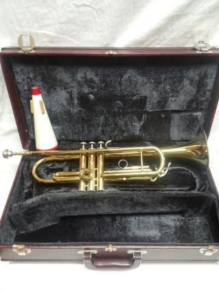 Vintage Antique Holton T602 Trumpet B With 7c Bach Mouthpiece Mute And Case photo