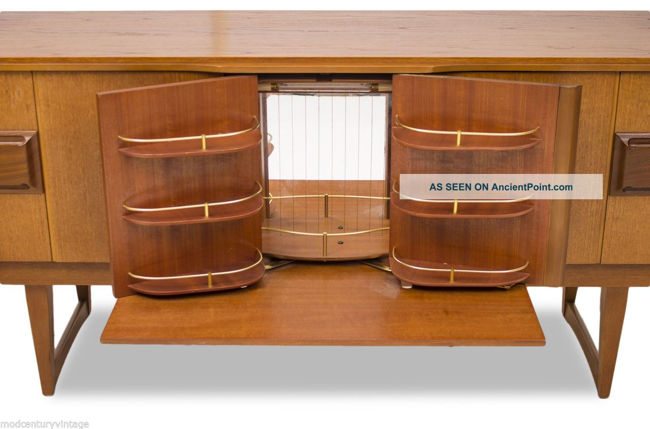 Mid Century Modern Credenza,  Drinks Bar Or Console.  Mcm.  Vintage.  Retro.  Teak Post-1950 photo
