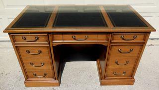 Sligh Lowry Executive Kneehole Desk W Inlaid Leather Top Pedestal Writing photo
