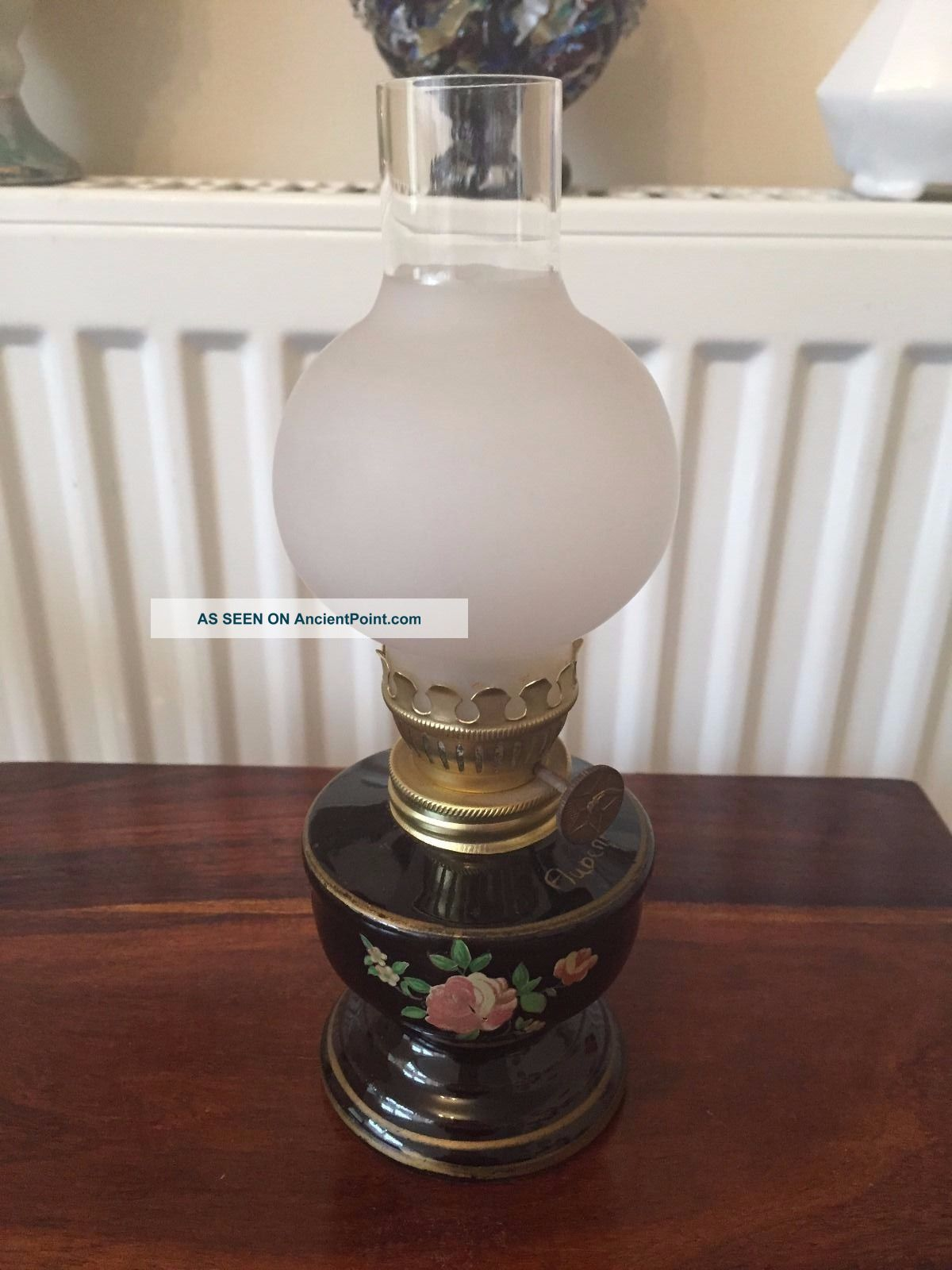 Small Vintage Oil Lamp Order 20th Century photo