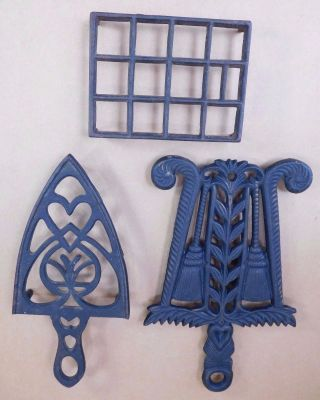 (3) Vintage Cast Iron Trivets Country Kitchen Wood Stove Kettle - Iron Stand photo