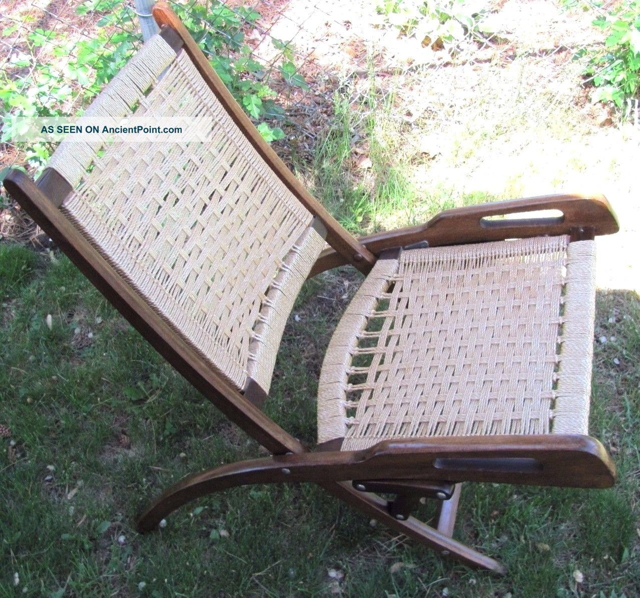 Wonderful image of  Modern Vtg Hans Wegner? Woven Rope Wood Handles Folding Comfy Chair with #4C8645 color and 1279x1194 pixels