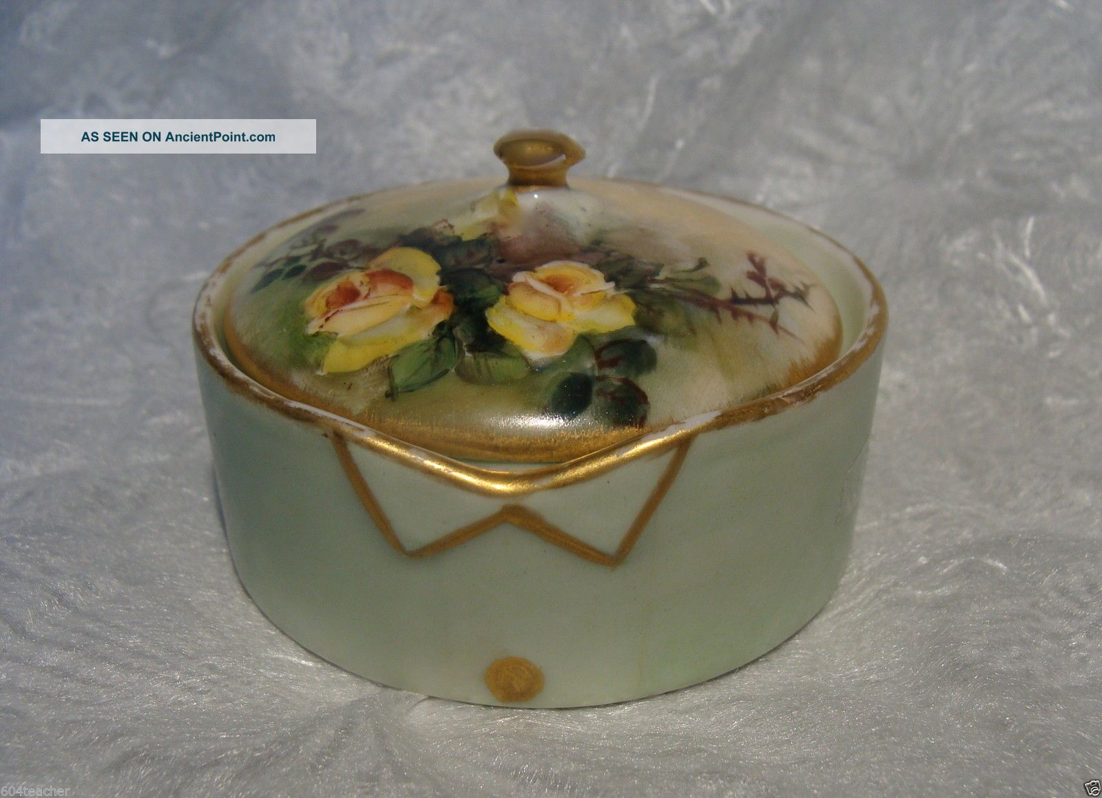 T & V Limoges France Hand Painted Porcelain Stud Collar Button Box French C1900 Baskets & Boxes photo
