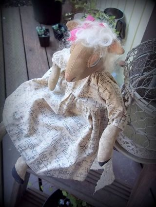 Prim Sweet Little Lamb With Dress That Has Many Sayings Pfatt photo