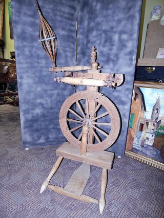 Antique Upright Spinning Wheel Castle Flyer Saxony Style Spindle P Murray photo