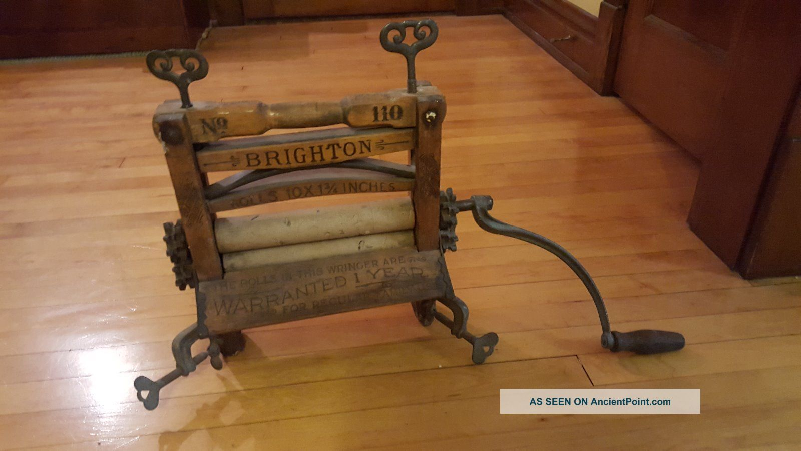 Vintage Brighton Np 110 Wooden Clothes Wringer Washer With Arm Crank Clothing Wringers photo