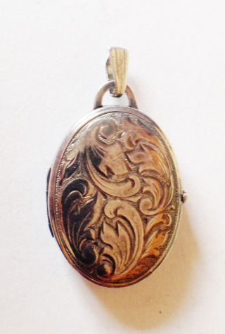 Solid Silver Opening Locket Pendant photo
