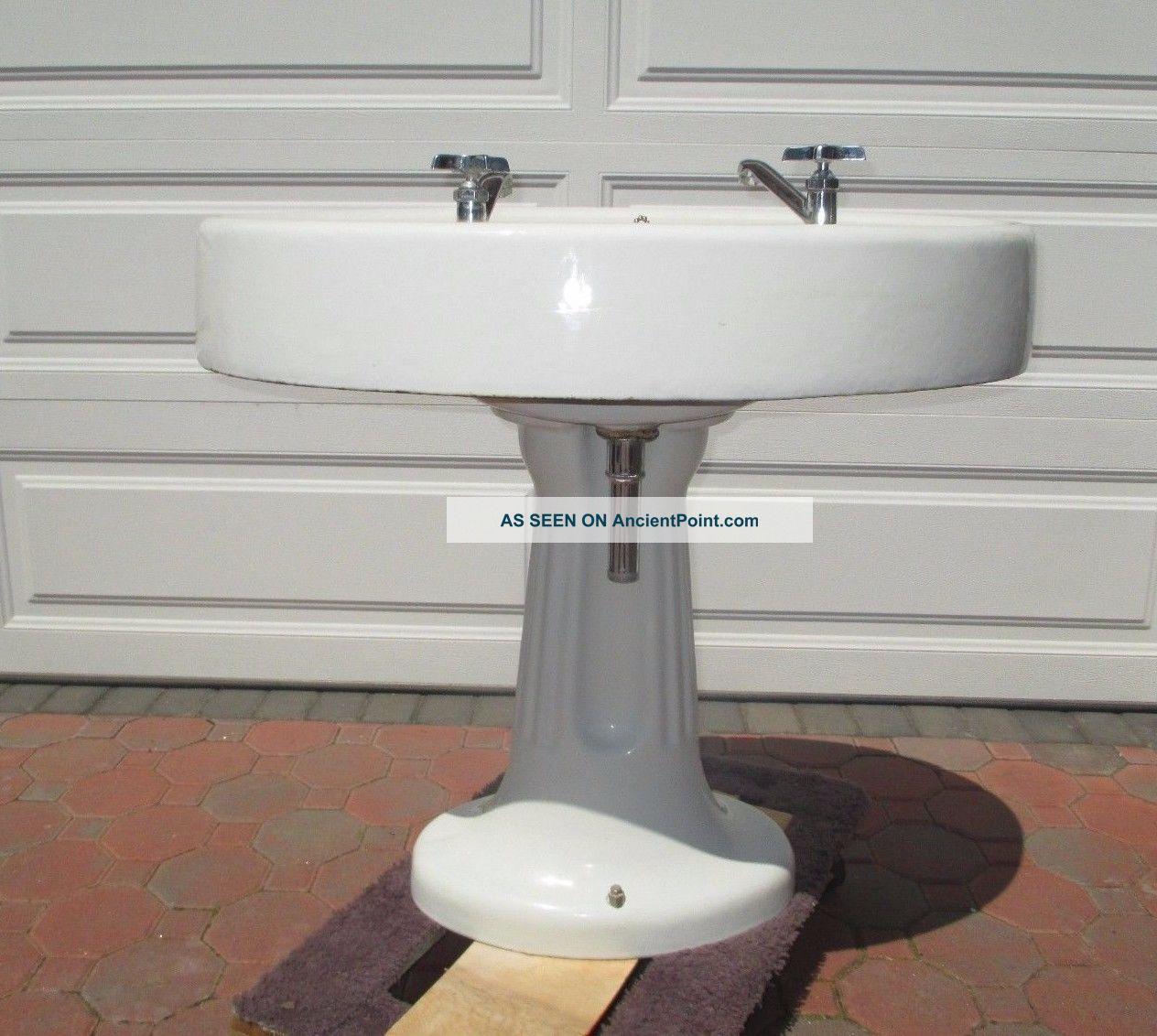 1920 Pedestal Sink : 1920 S Standard Manufacturing Co. Enamel Porcelain Pedestal Sink ...