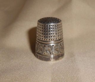 Antique Sterling Thimble With Design Size 8 photo