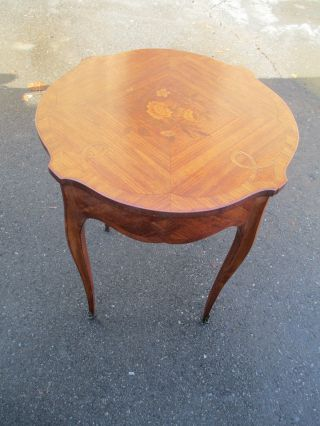51416 Inlaid Walnut Lamp Table Stand W/ French Carved Legs photo