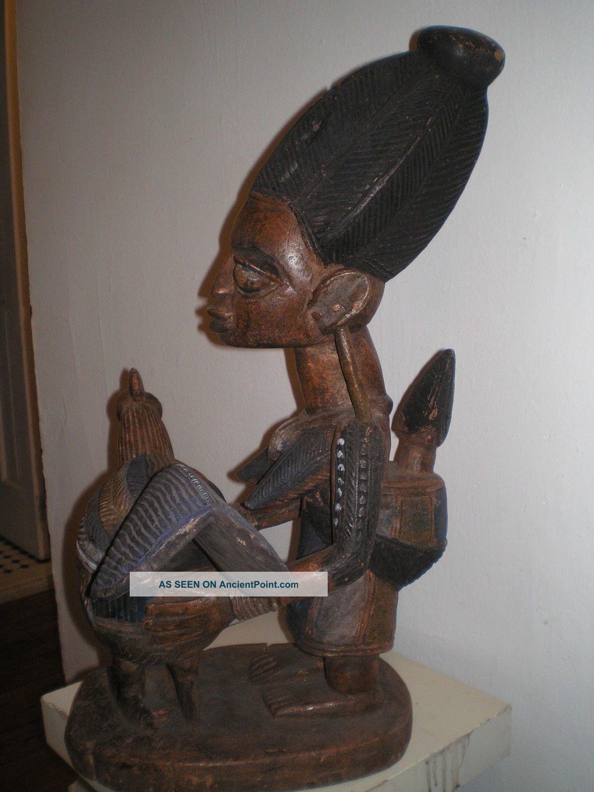 Large Yoruba Agere Ifa Divination Bowl Woman Holding A Chicken Sculptures & Statues photo