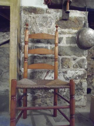 Antique American 18th C Curly Maple Arched Ladderback Chair Rush Seat Primitive photo