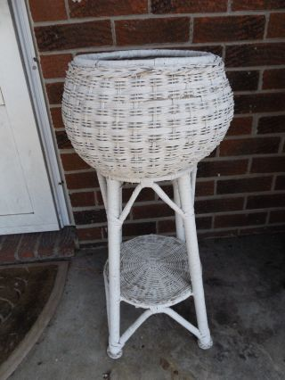 Antique White Wicker Plant Stand Holder 27