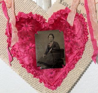 Antique Valentine Pink Velvet Heart Pincushion Decoration Handmade Embroidery photo