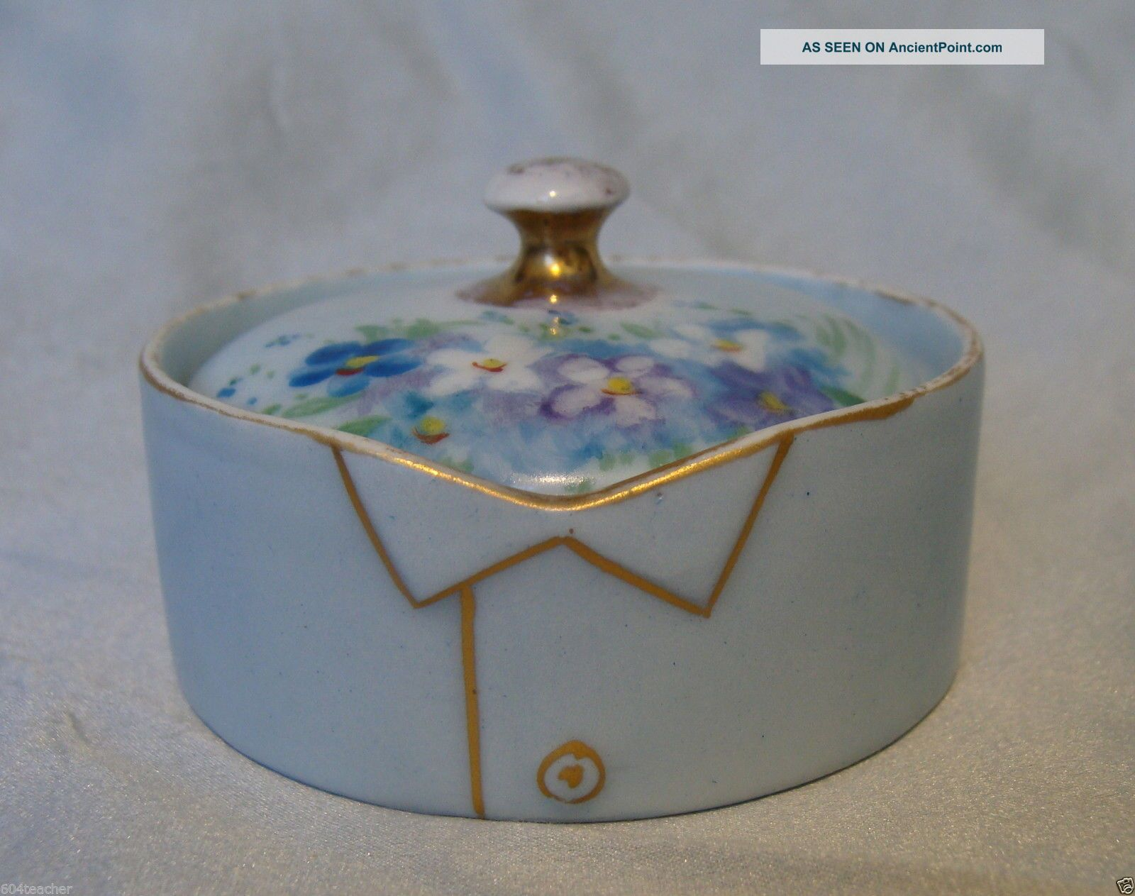 T & V Limoges France Hand Painted Porcelain Stud Collar Button Box French C1890s Baskets & Boxes photo