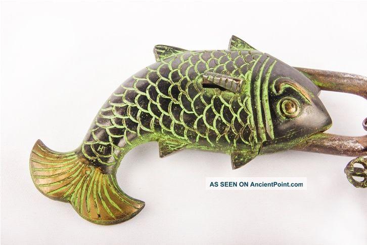 Brass Buddhist Tibet Collectible Décor Locks Old Green Fish Puzzle Padlock BL 03