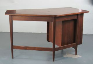Mid Century Modern Bertha Schaefer Desk For Singer & Sons Gio Ponti Era photo