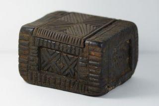 Antique Tibetan Wooden Box From Ladakh - Pc photo