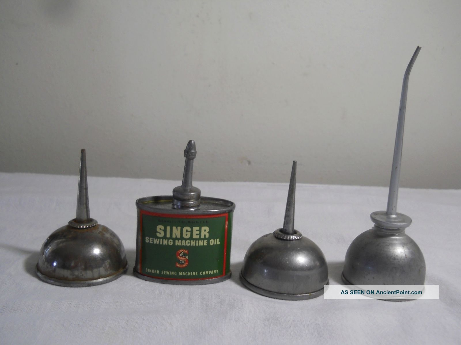 3 Antique Singer Sewing Machine Squirt Oil Cans And 1 Other Small Squirt Can Other Antique Sewing photo