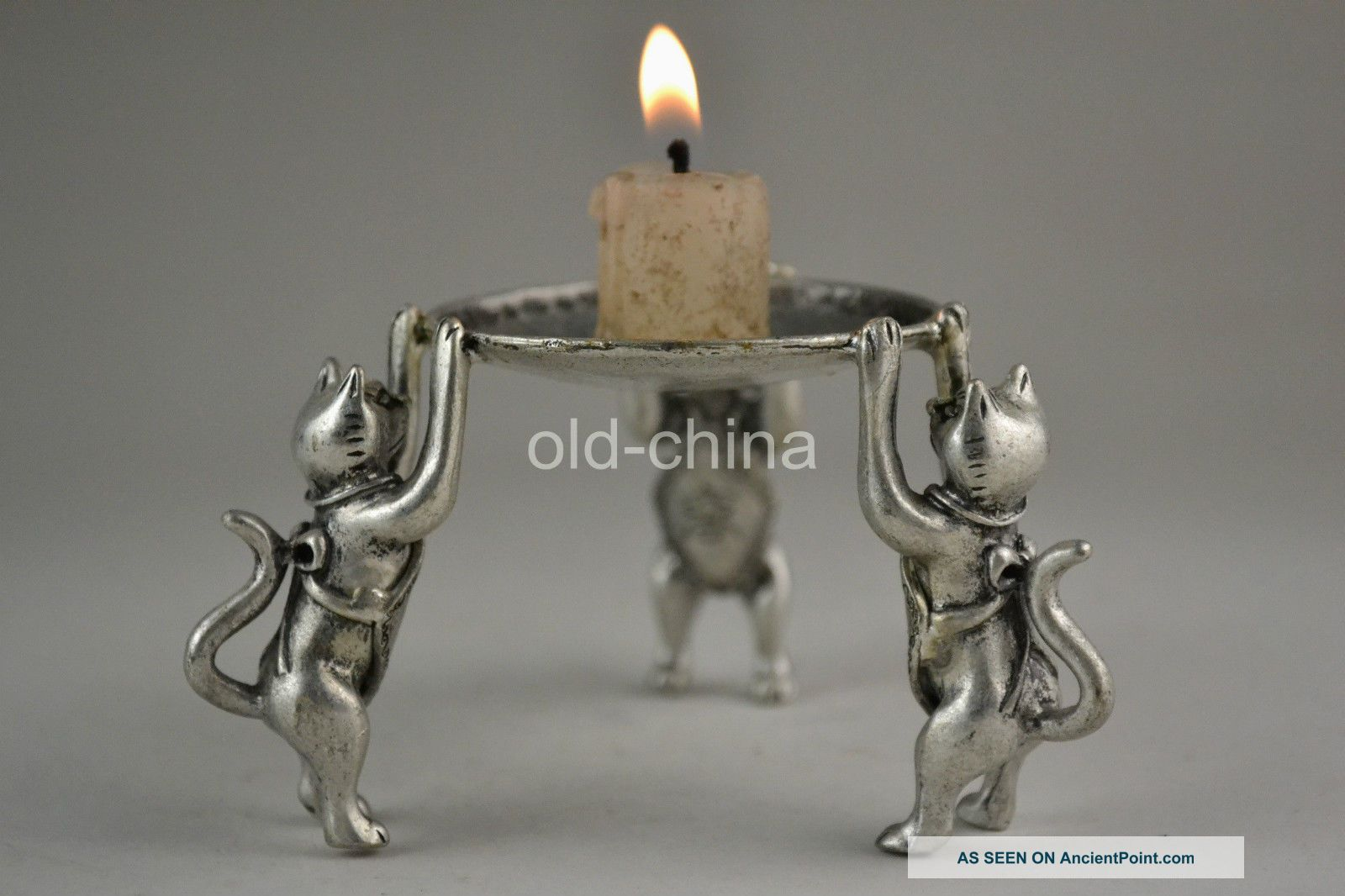 Oriental First - Rate Old Tibet Silver 3 Cat Hold Taiji Pattern Candlestick Candlesticks & Candelabra photo