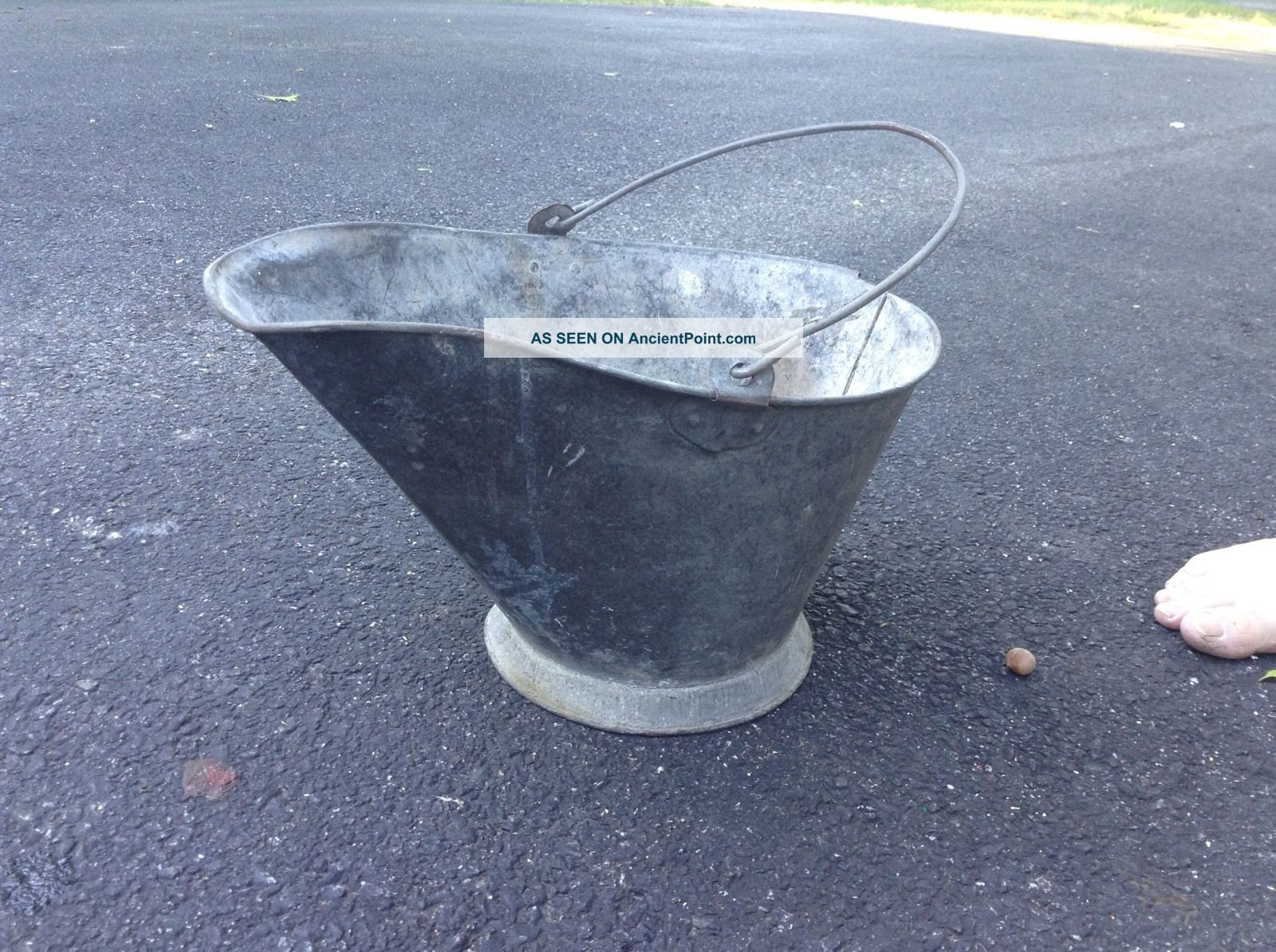 Antique Coal Scuttle Hod Bucket Metal Ash Bail With Handle Hearth Ware photo
