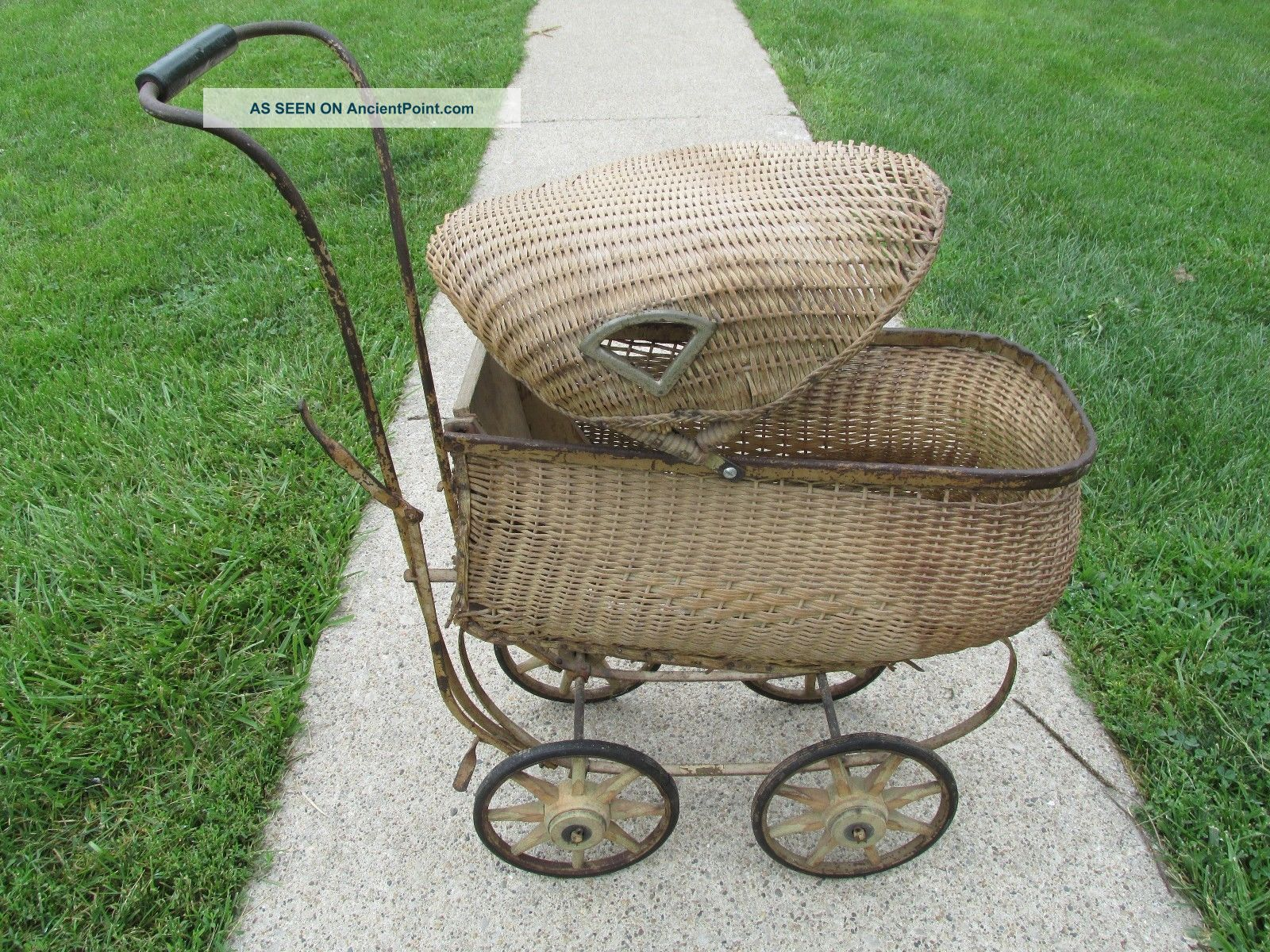 Antique Baby Carriage Wicker Baby Pram 1800s Vintage Stroller Doll Carriage Baby Carriages & Buggies photo