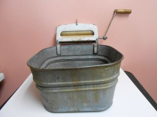Vintage Antique Galvanized Steel Wash Tub With Hand Wringer 6a Pat.  No.  1935840 photo
