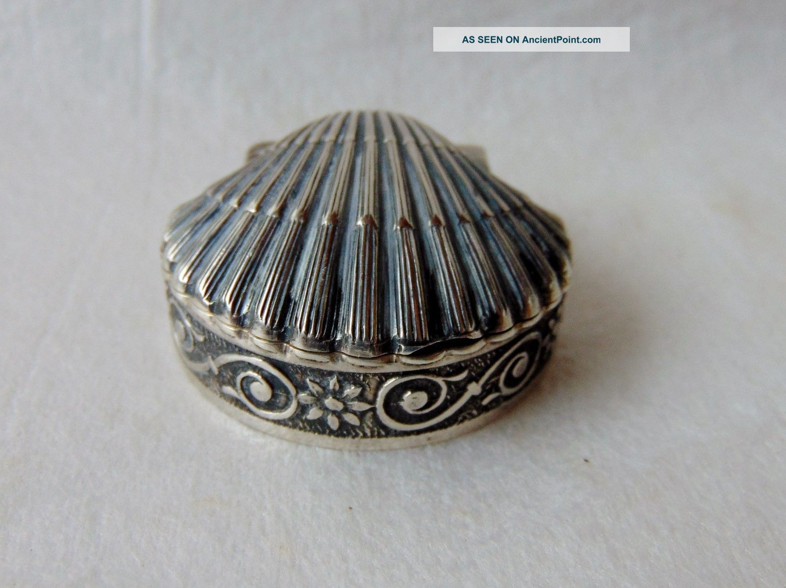 Vintage Sterling Silver Hinged Scallop Shell Pill Box Marked 925 Boxes photo