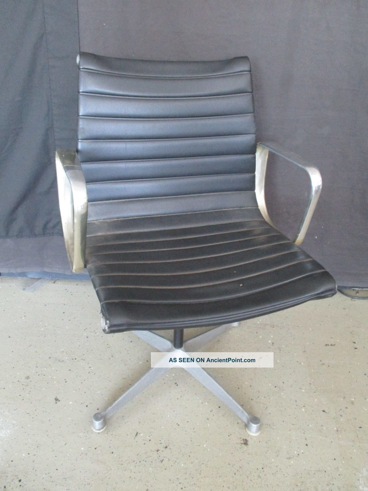 Click photo to enlarge category furniture chairs post 1950 uploaded
