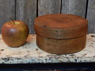 19th C.  England Small Round Banded Pantry Box 5 3/4