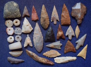 29 Quality Mixed Sahara Neolithic Relics,  And 1 Paleolithic Aterian Stemmed Tool photo
