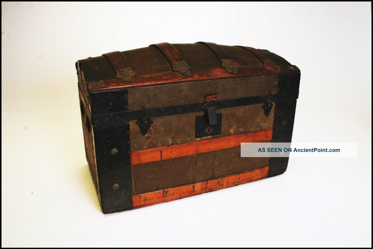 Vintage Camelback Trunk Storage Chest Steamer Loft Luggage Antique Box Wooden F 1900-1950 photo