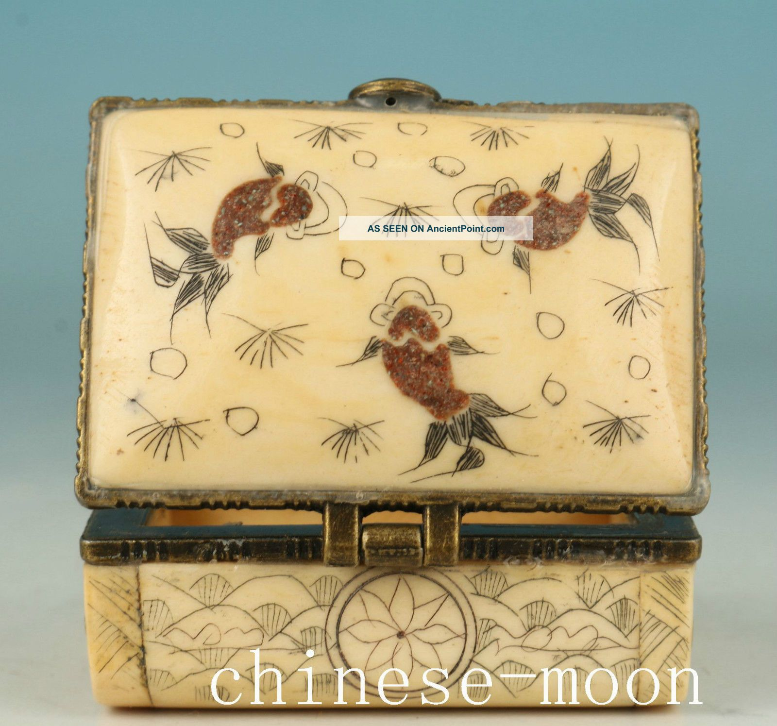 Chinese Old Handmade Painting Fish Collect Jewel Snuff Box Orname Boxes photo