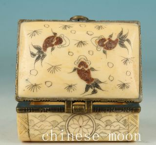 Chinese Old Handmade Painting Fish Collect Jewel Snuff Box Orname photo