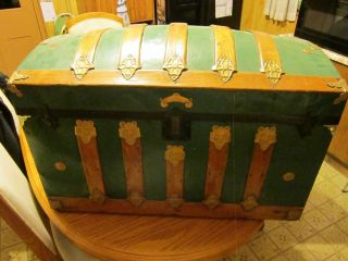 Vintage Camelback Trunk Storage Chest - - 34