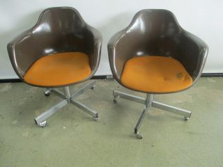 Pair 2 Krueger Mid Century Modern Fiberglass Shell Arm Chairs With Steel Bases photo