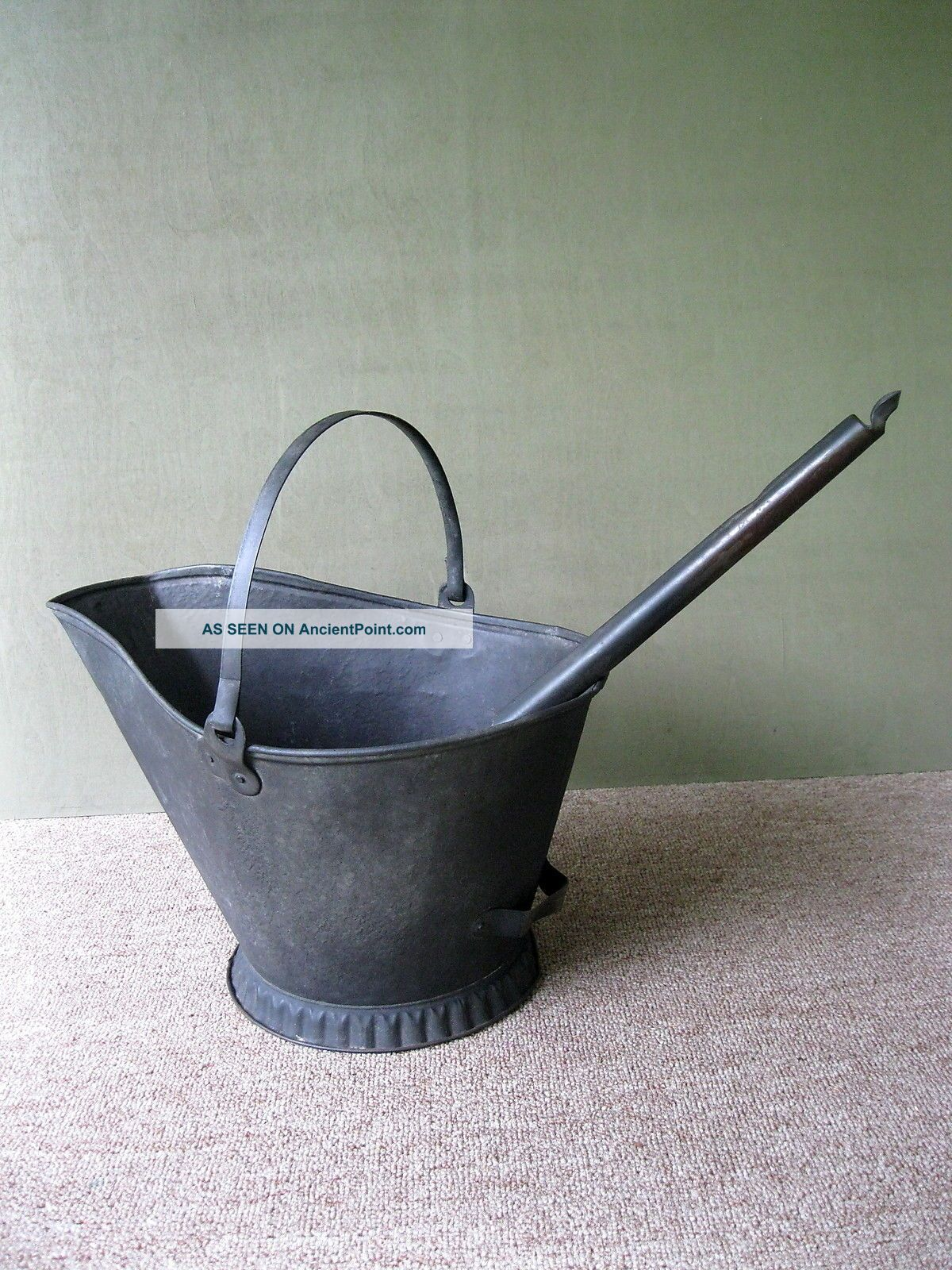 Antique Coal Scuttle Hod Bucket Primitive 16 Metal,  Ash Shovel,  Bail Handle Hearth Ware photo