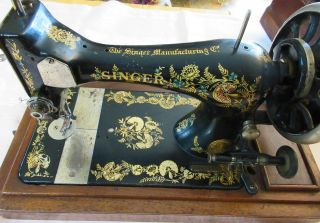 Antique Singer Hand Crank Sewing Machine 1902 28k Sq Coffin Cover,  Case,  Carnation photo