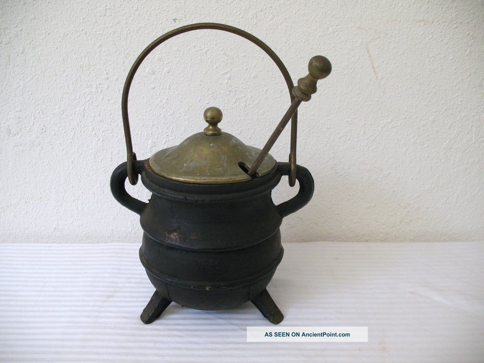 Cast Iron Fire Starter Smudge Pot Antique 3 Leg Brass Handle Lid Wand Pumice Hearth Ware photo