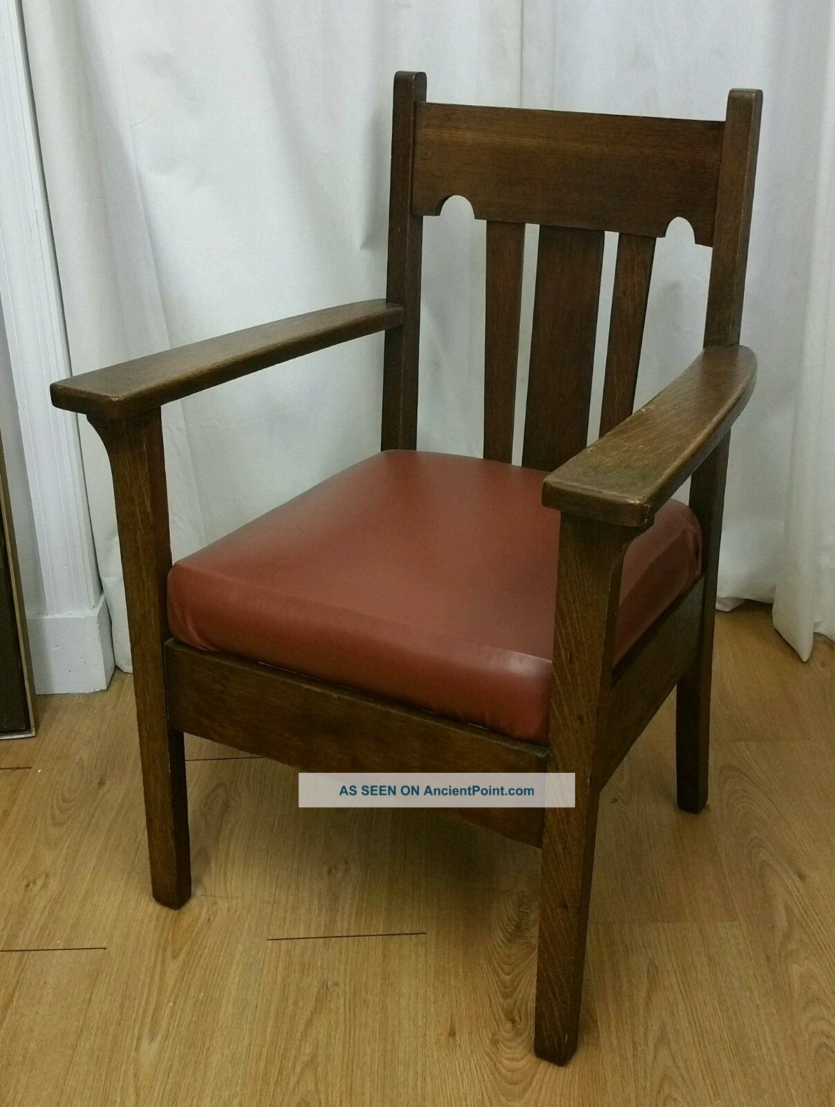Antique Tiger Oak Mission Style Wood Arm Chair. Early 1900s. Very . Full resolution  photograph, nominally Width 1208 Height 1600 pixels, photograph with #35250D.