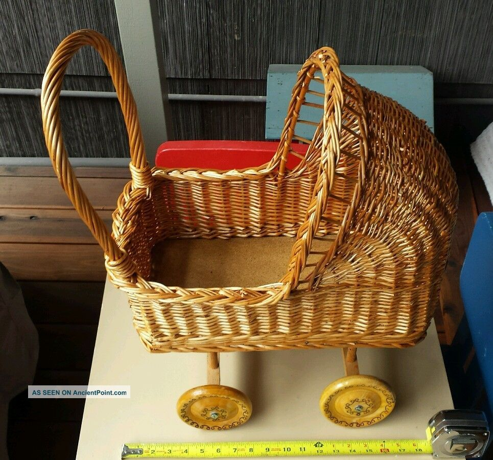 Vintage Baby Doll Carriage Stroller Wicker Wood Wooden Wheels Photography Prop Baby Carriages & Buggies photo