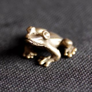 Thai Amulets Lucky Animal Frog Brass Mini Statue Figurine Charm Rich Wealth D24 photo