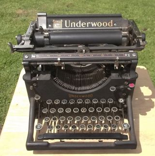 1910 Vintage Underwood Typewriter 4 Sn - 434405 - photo