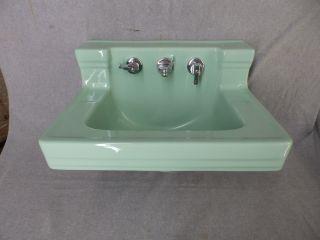 Vtg Jadeite Green Porcelain Ceramic Bathroom Sink Old Standard Plumbing 650 - 16 photo
